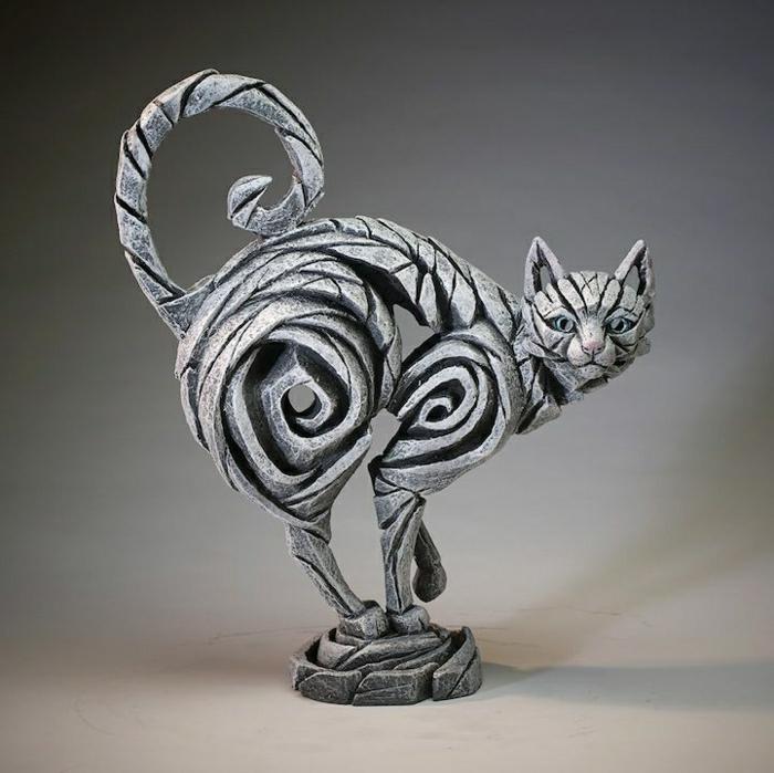 moderne-Skulpturen-Katze-Avantgarde