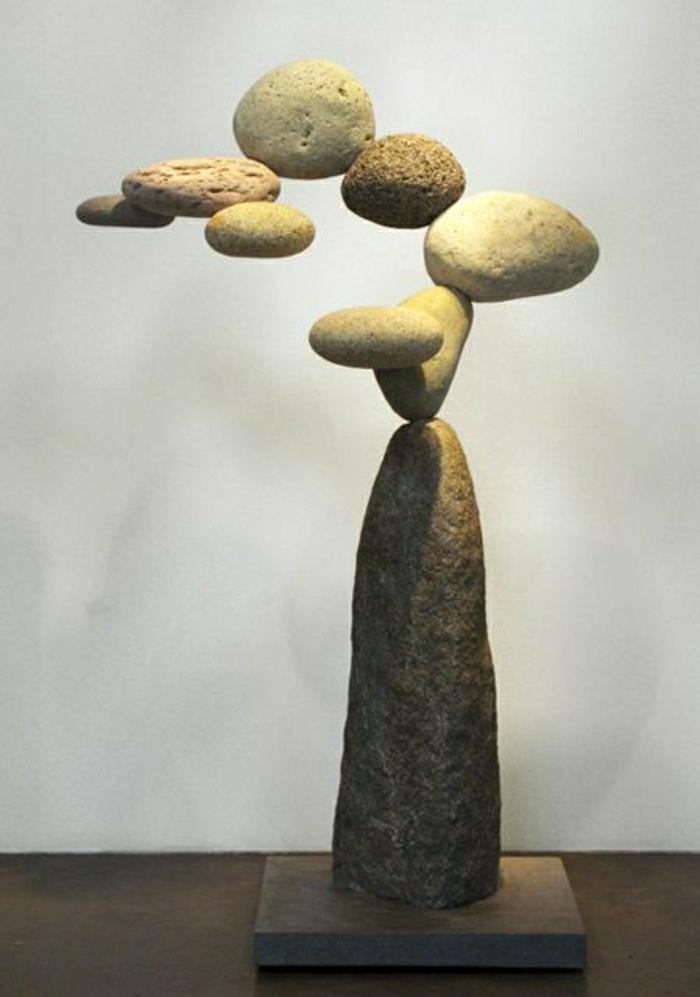 moderne-Skulptur-Steine-abstrakt