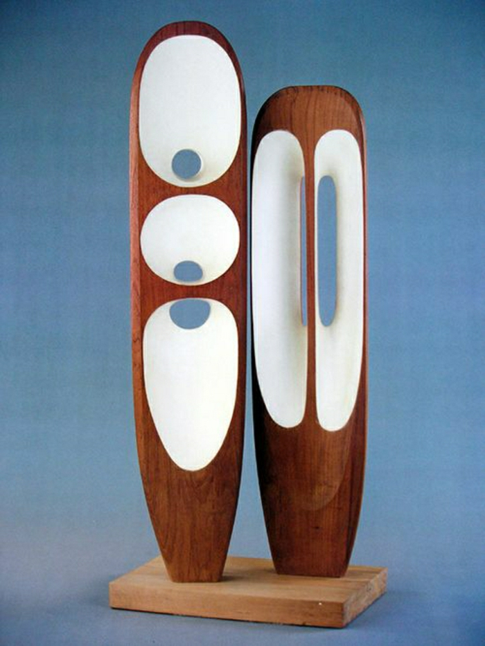 moderne-Skulptur-hölzerne-Figuren-abstrakt