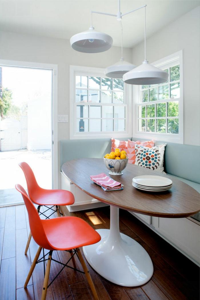 moderne-essecken-rote-stühle