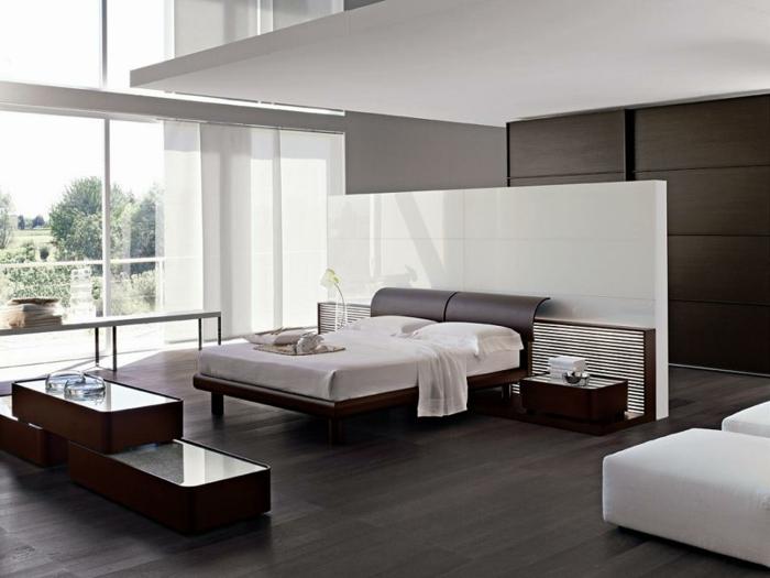 moderne-inneneinrichtung-weiße-trennwand