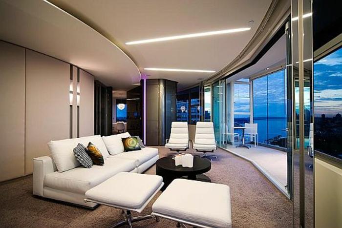 moderne-inneneinrichtung-weißes-sofa