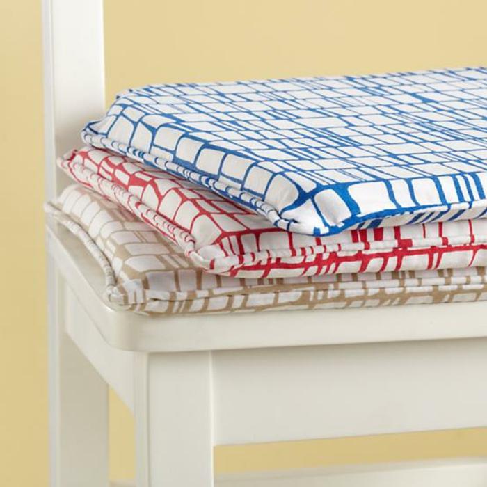 moderne--sitzkissen-für-stühle-bunte-kissen-stuhlauflagen