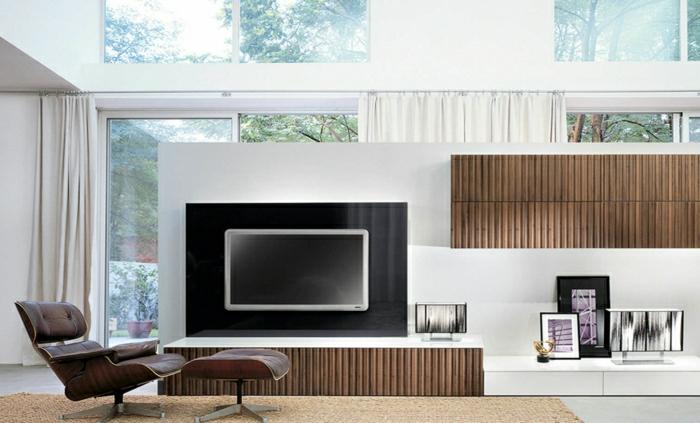 Ein hochwertiges TV Wandpaneel aus Holz für ein gemütliches ...