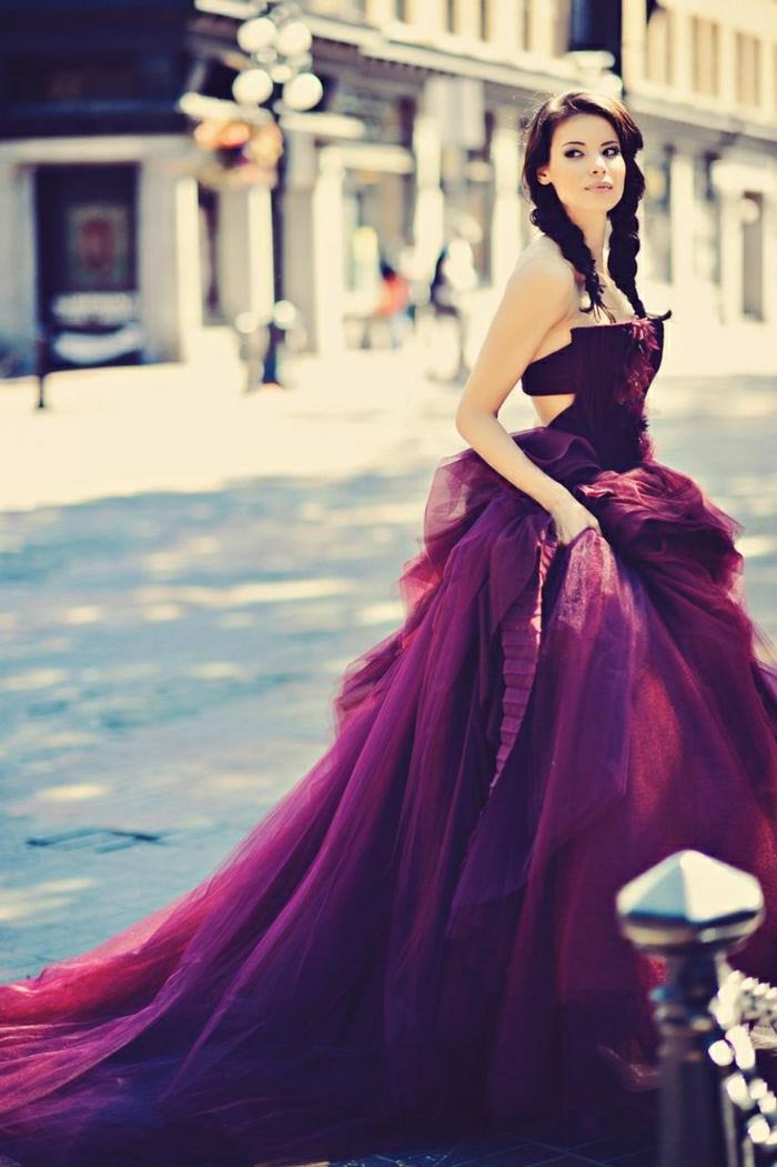 Das lila kleid 45 erstaunliche fotos - Magenta wandfarbe ...