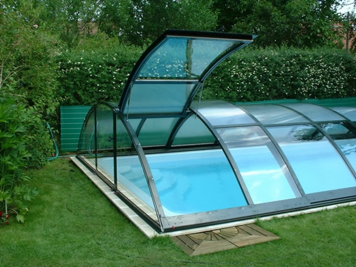 pool-bilder-gläserne-überdachung