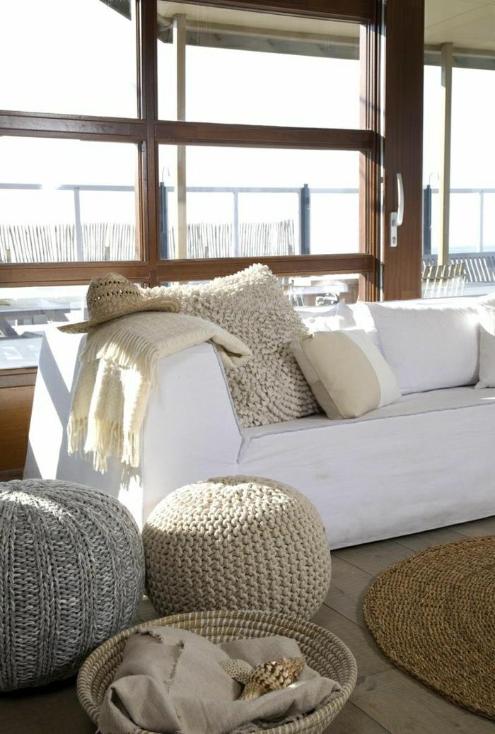 bodenkissen great fotos von modernen und bequemen bodenkissen with bodenkissen bodenkissen fr. Black Bedroom Furniture Sets. Home Design Ideas