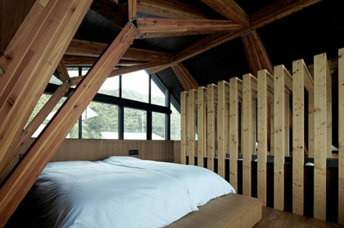 raumtrenner-aus-holz-attraktives-schlafzimmer