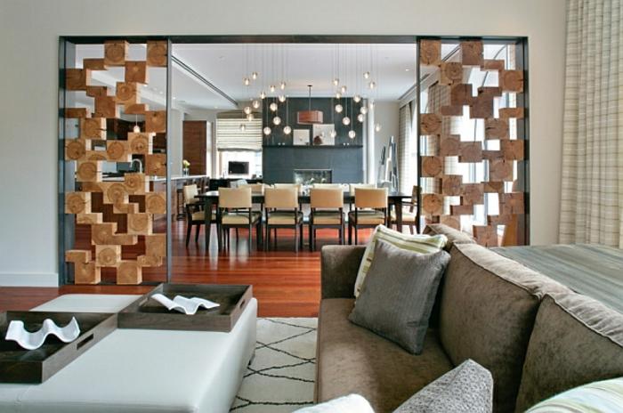 raumtrennung-ideen-modernes-sofa-mit-attraktiven-kissen