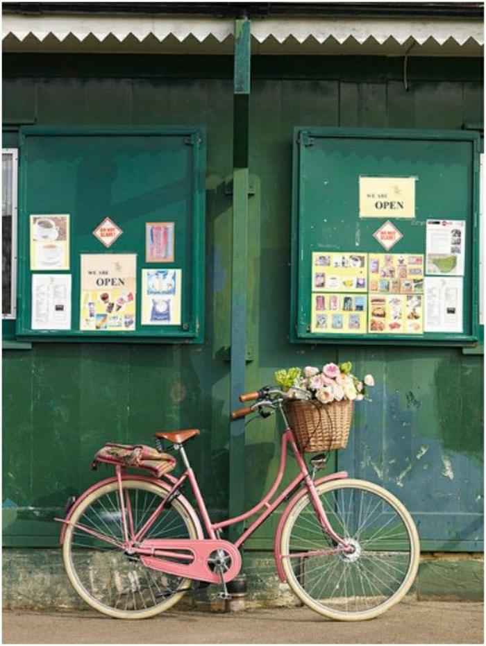 retro-Fahrrad-vintage-rosa-Fahrradrahmen-Korb-Rosen