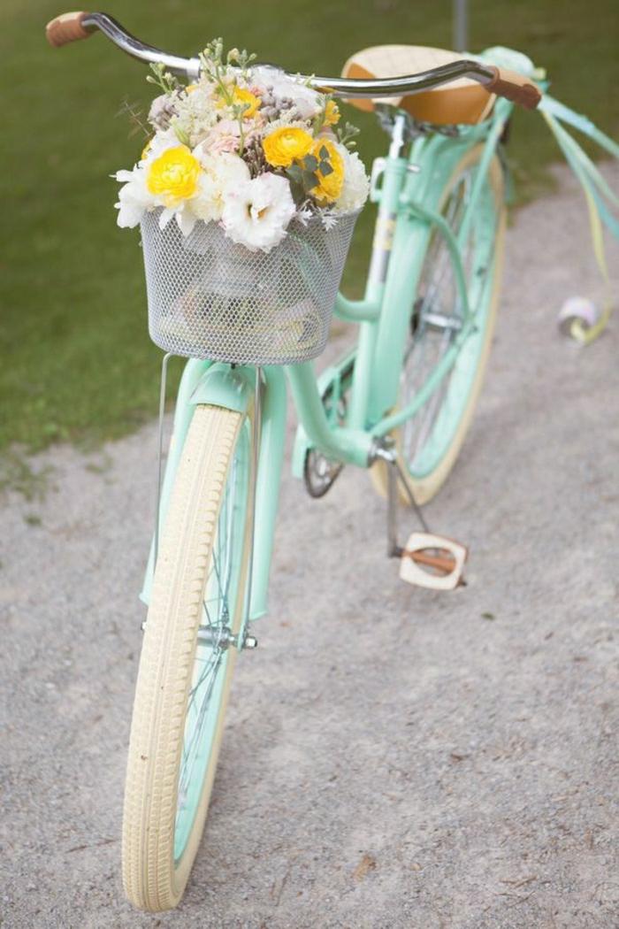 retro-Fahrrad-vintage-süß-Fahrradrahmen-Minze-Farbe-Korb-Blumen