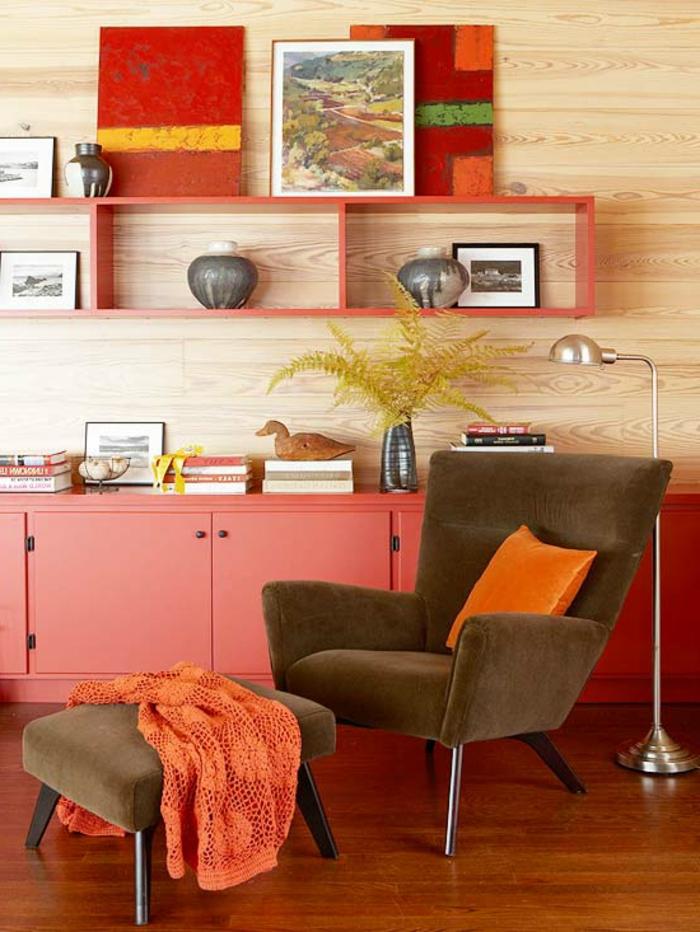 retro-wohnzimmer-schöne-dekoartikel-an-der-wand - deko vintage