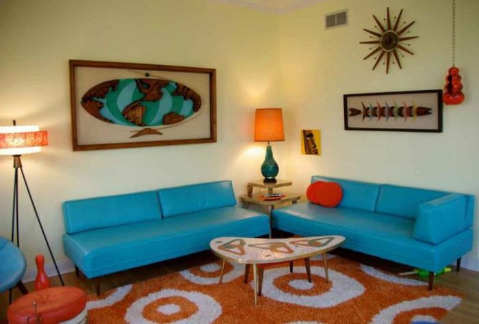 retro-wohnzimmer-super-schöne-blaue-sofas - vintage wohnen