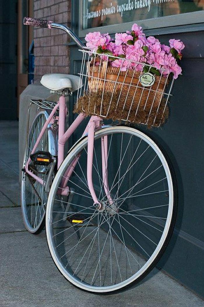 romantisches-vintage-Fahrrad-für-Mädchen-rosa-retro-Blumen