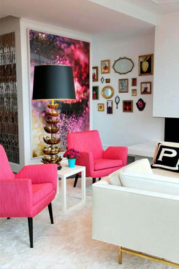 rosa-Sessel-Akzent-Stehlampe-großes-Wandbild-grelle-Farben