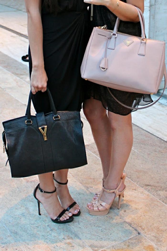 rosa-Tasche-Prada-Sandalen-Körperfarbe-Pastellfarben-passend