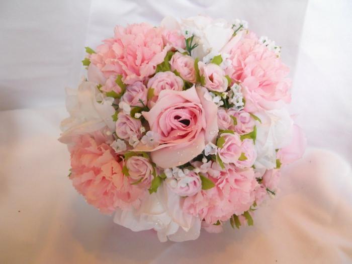 -rosa-blumenstrauß-mit-wunderschönen-blumen-dekoration-deko-mit-blumen