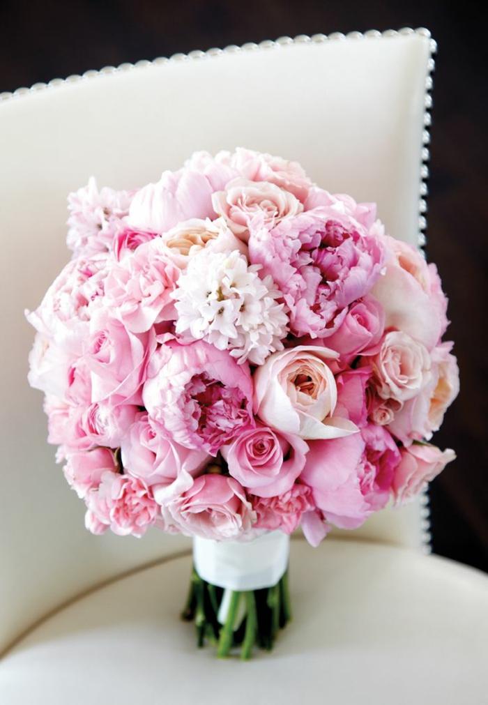 rosa-rosen-blumensträuße-mit-wunderschönen-blumen-dekoration-deko-mit-blumen