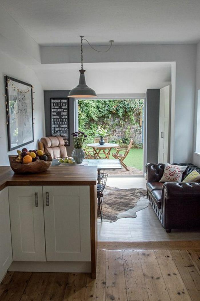 rustik-Küche-industriale-Lampe-Chesterfield-Sofa-Tierhaut