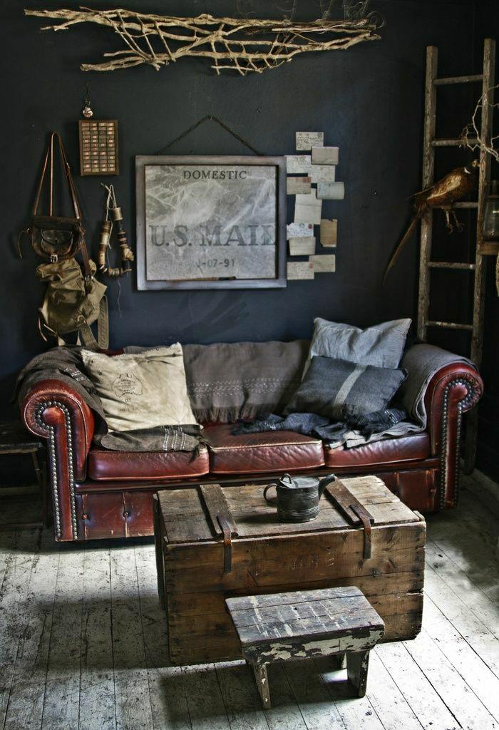rustik-Stil-Wohnzimmer-Kasten-Jagd-Accessoires-weinrotes-Leder-Chesterfield-Sofa