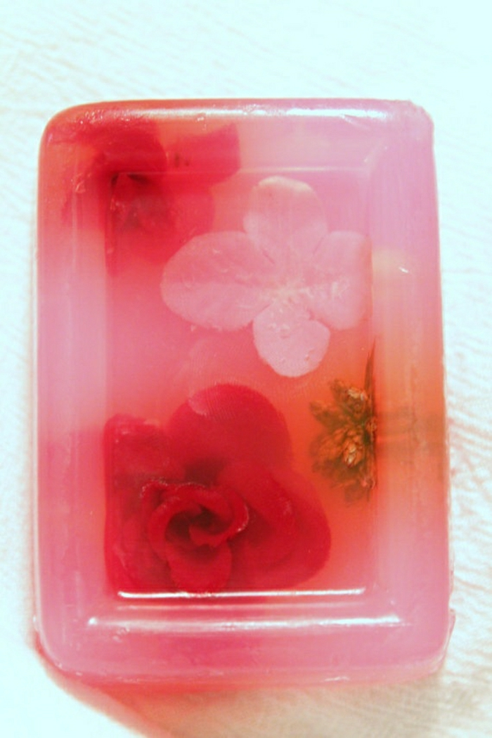 schöne-Rosen-Seife-handgemacht