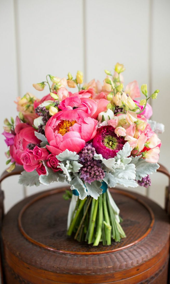 --sehr-schöne-blumensträuße-mit-wunderschönen-blumen-dekoration-deko-mit-blumen-