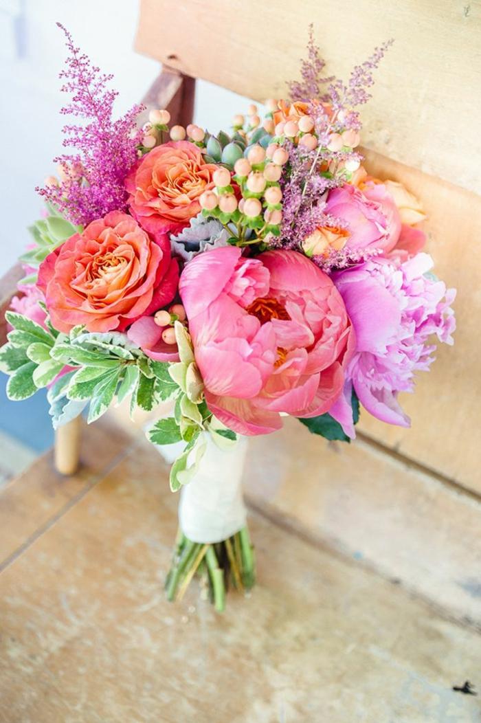 -sehr-schöne-blumensträuße-mit-wunderschönen-blumen-dekoration-deko-mit-blumen