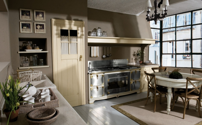 shabby-chic-küche-hölzerne-möbelstücke