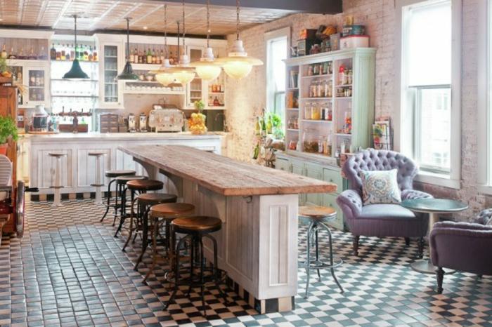 Wandgestaltung Kuche Shabby : hölzerne kochinsel in einer großen küche  shabby chic einrichtung