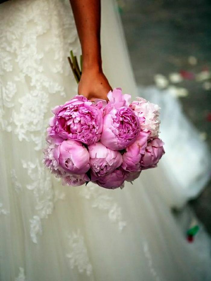 simpler-Hochzeitsstrauß-stilvoll