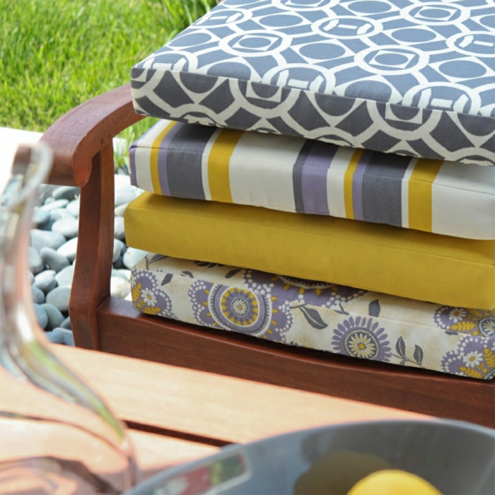 sitzkissen-für-stühle-bunte-kissen-stuhlauflagen-gartenstühle