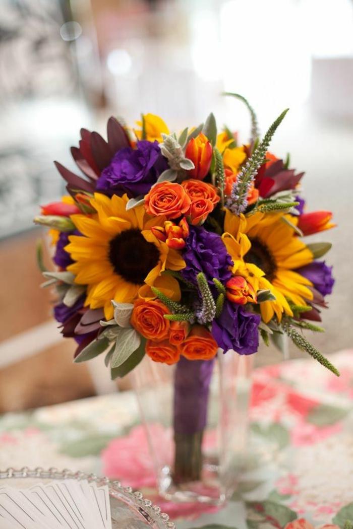 -sonnenblumen-blumensträuße-mit-wunderschönen-blumen-dekoration-deko-mit-blumen