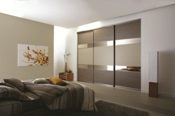 Stylische garderobe im eleganten schlafzimmer