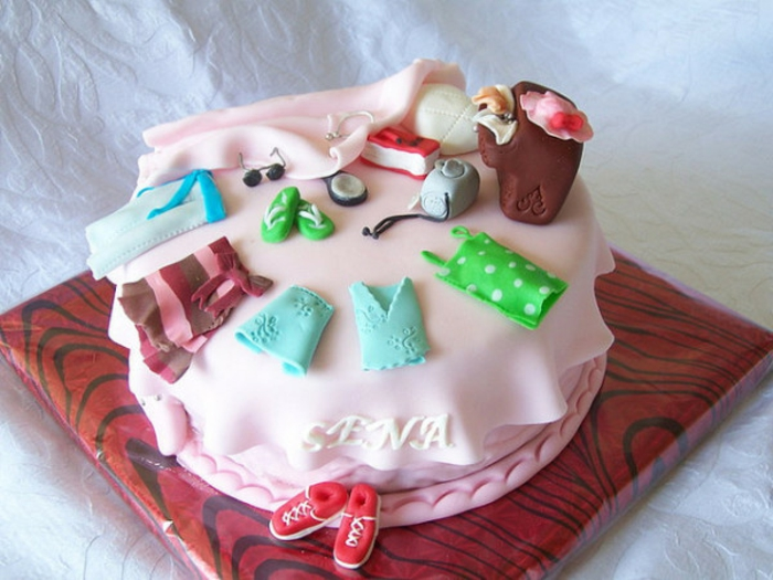 super-inspirierendes-modell-von-mädchen-torte