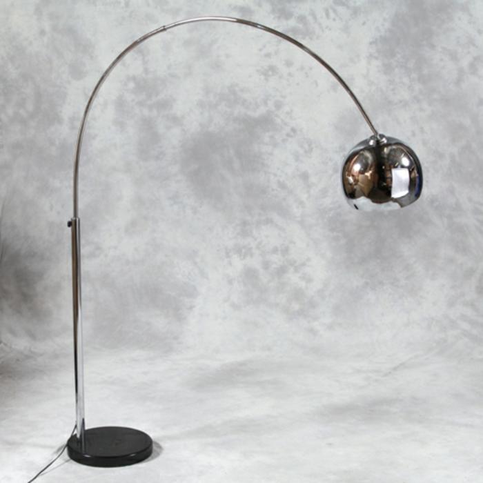 super-schöne-bogenlampen-grauer-hintergrund