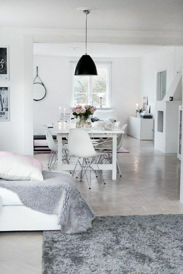 svandinavisches-Design-Esszimmer-Esstisch-Stühle-Rosen-industriale-Lampe