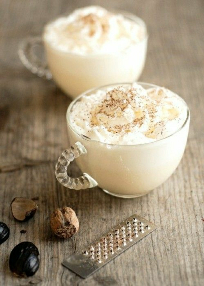 sympatische-Cappuccino-Tassen-Walnüsse