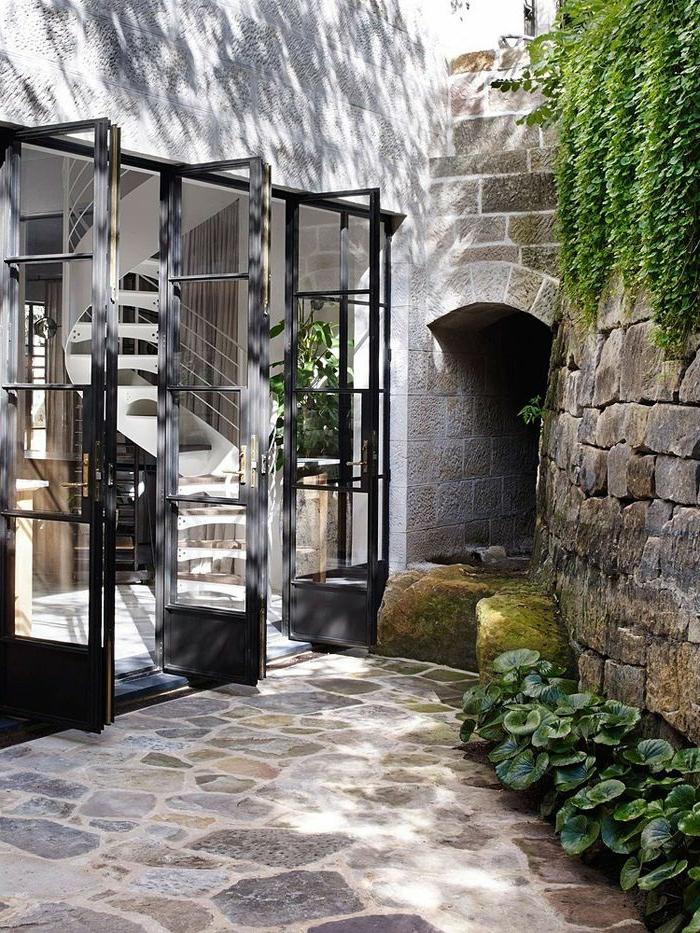 terrassenboden-aus-stein-auffällige-gestaltung-cooles-aussehen