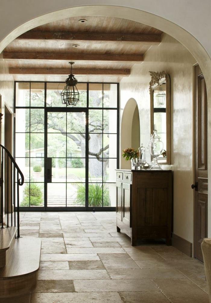 terrassenboden-aus-stein-interessante-glaswand
