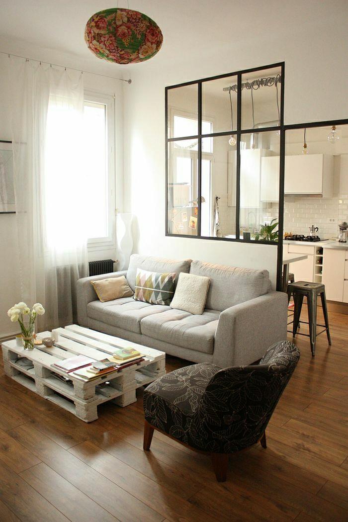-tisch-aus-europaletten-wohnzimmer-gestalten-wohnzimmer-ideen-wohnzimmer-einrichten-paletten-tisch-europalette-möbel- Tisch aus Paletten