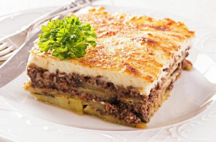 traditionelle-griechische-Speisen-Moussaka