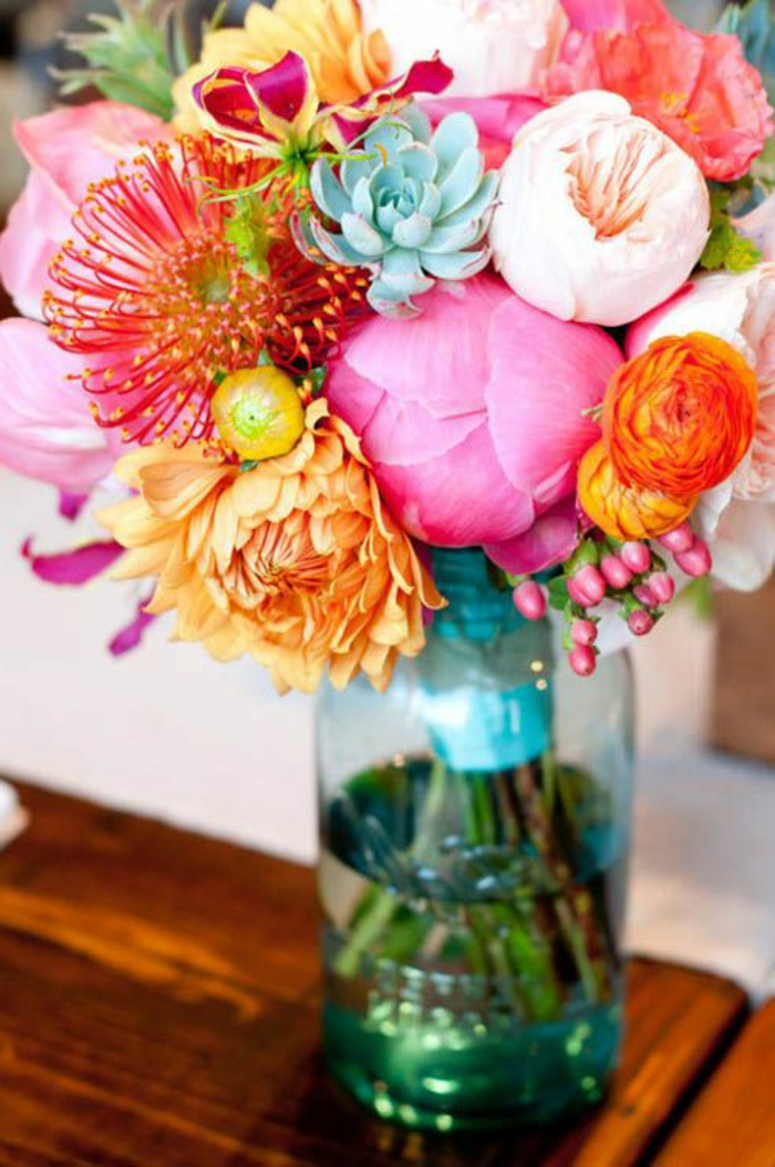 traumhafte-blumengestaltung-blumensträuße-mit-wunderschönen-blumen-dekoration-deko-mit-blumen