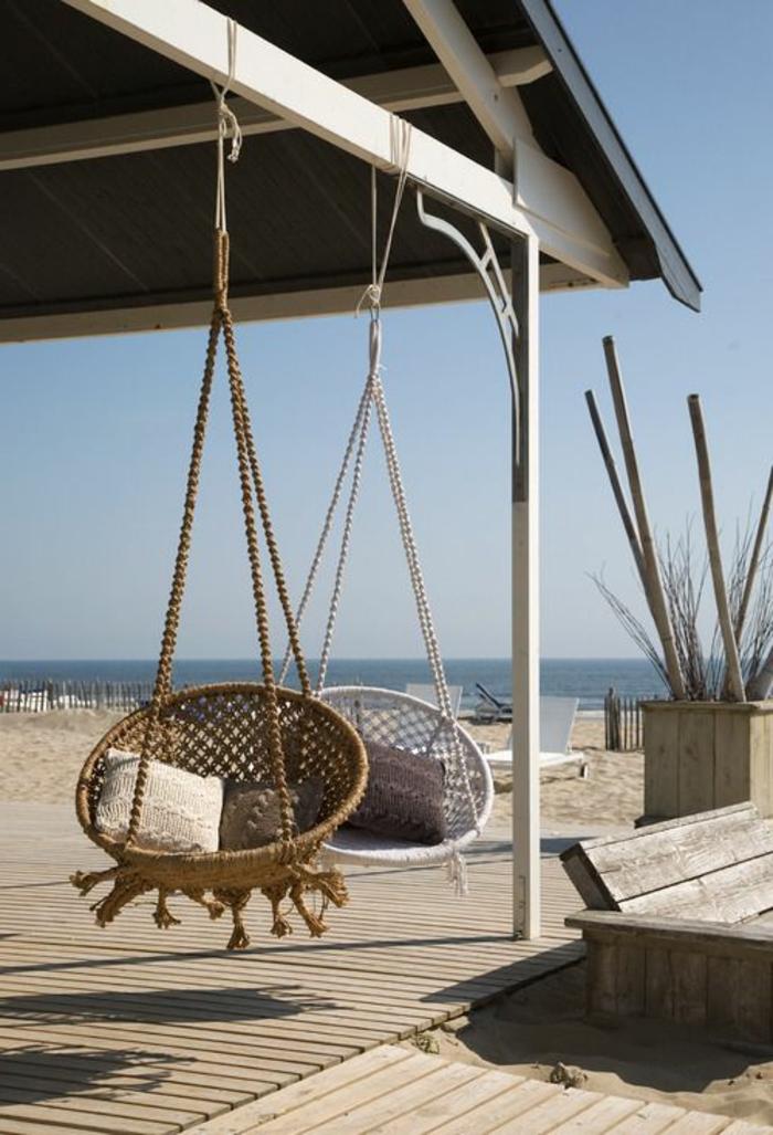 zwei moderne modelle von schaukel für veranda - am strand