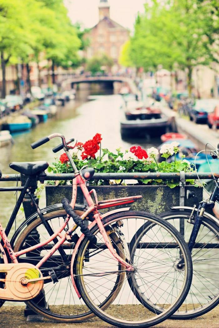 vintage-Fahrräder-Amsterdam-Fluss