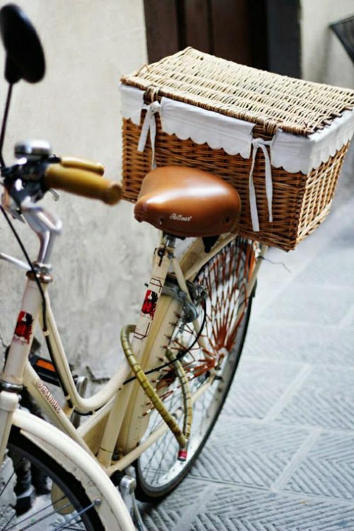 vintage-Fahrrad-renoviert-Korb-retro-Stil