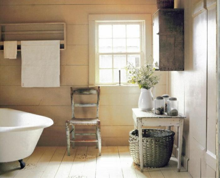 vintage-bad-cooles-aussehen-beige-wände