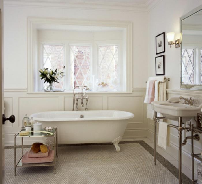 vintage-bad-fantastisches-modell-weiße-farbe