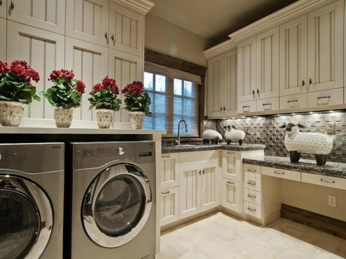 waschküche-einrichten-blumen-auf-den-modernen-waschmaschinen