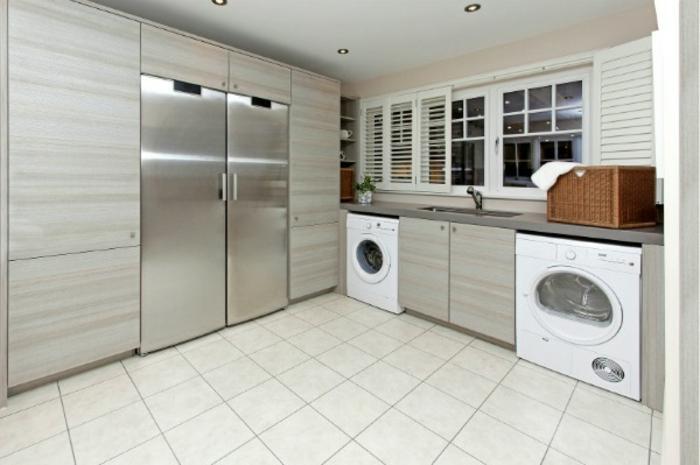 waschküche-einrichten-elegante-gestaltung-weißes-interieur