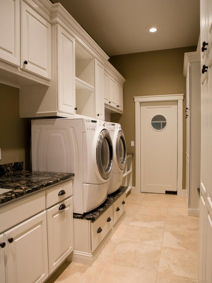 waschküche-einrichten-tolles-weißes-interieur